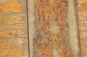 Peeling Deck Varnish