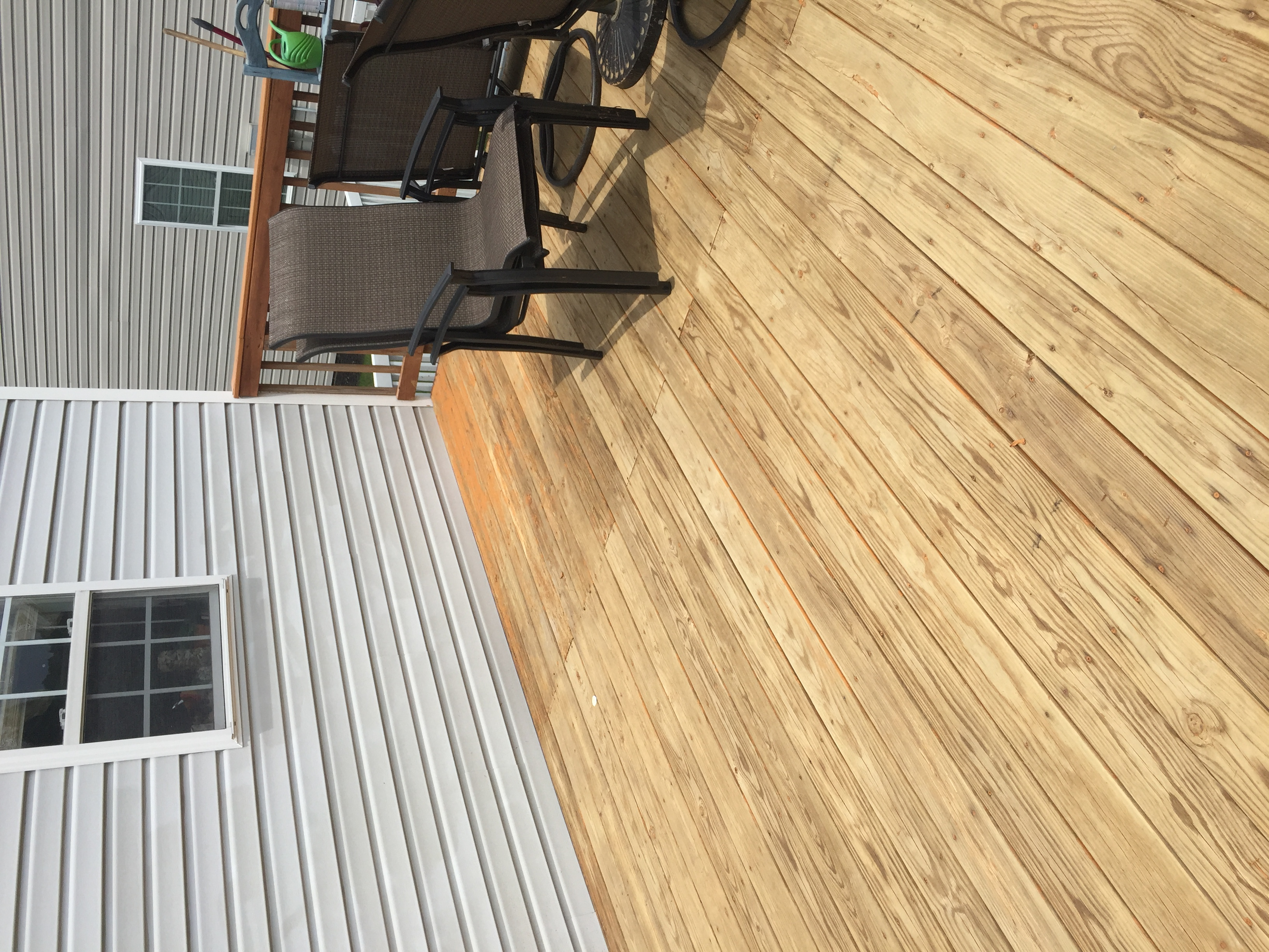 Best Stain for an Old Deck | Best Deck Stain Reviews Ratings