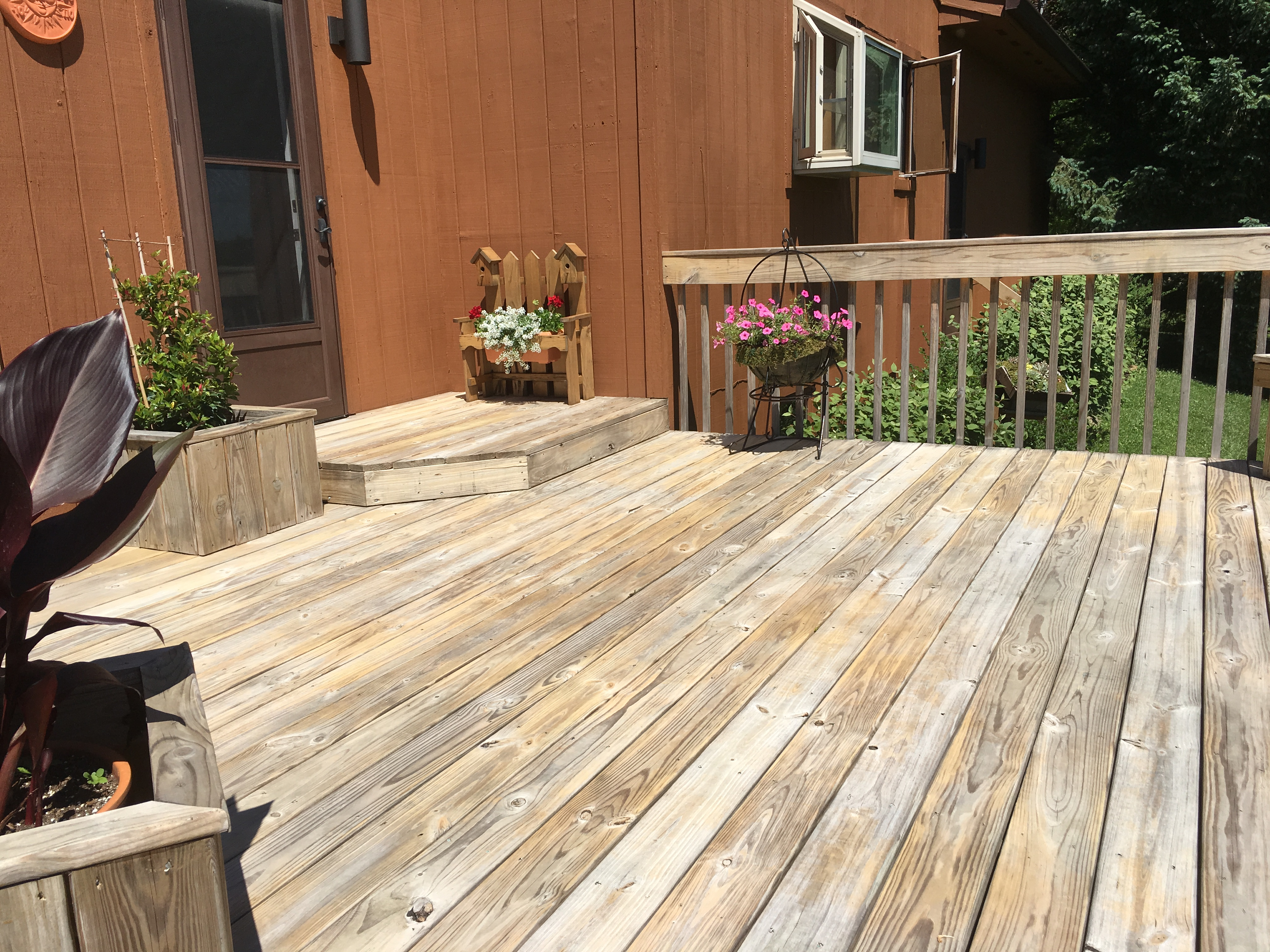 Can I Successfully Ly Semi Transpa Or Solid Stain On This Newly Cleaned Two Year Old Deck Prefer Textured Luck My Goal Is To Preserve Wood