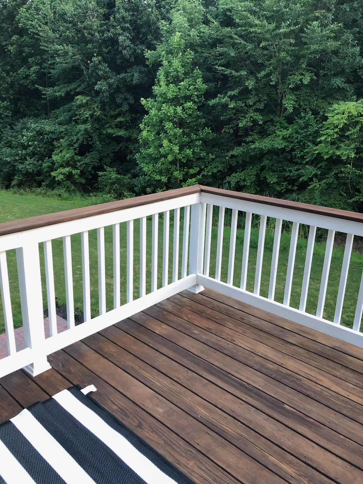 Advantages to Having a Two Toned Deck in 20   Best Deck Stain ...